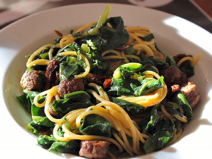 Choi spinazie pasta